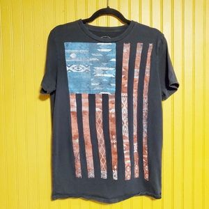 American Eagle Graphic Tee Size Small